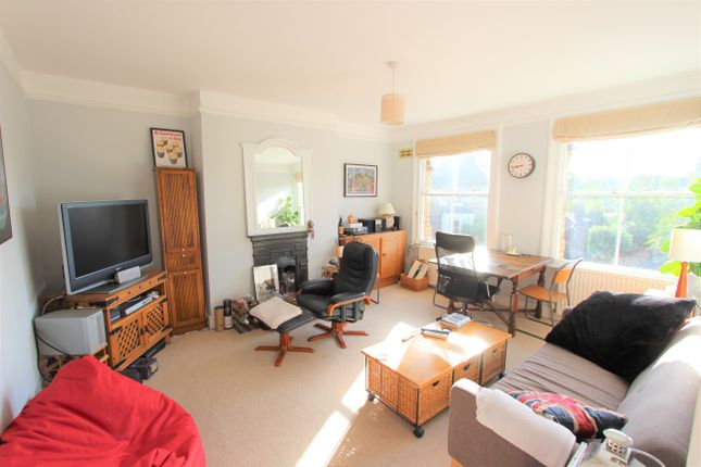 Thumbnail Maisonette to rent in Hungerford Road, London
