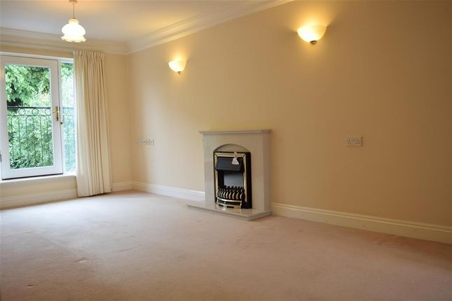 Thumbnail Flat for sale in Deanery Close, Chichester, West Sussex