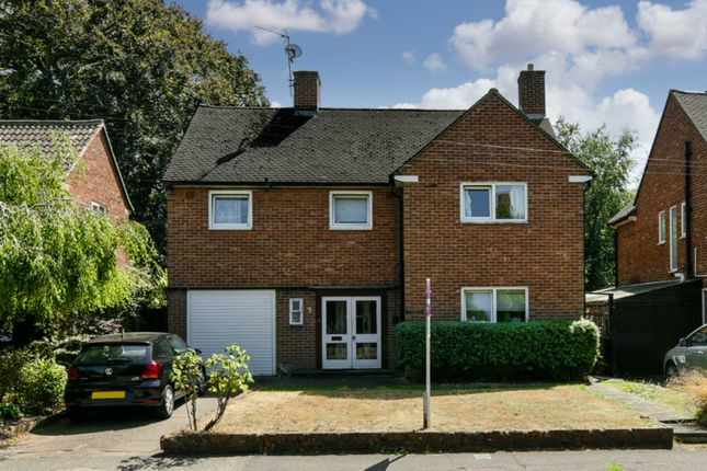 Thumbnail Detached house to rent in Avenue Road, Epsom