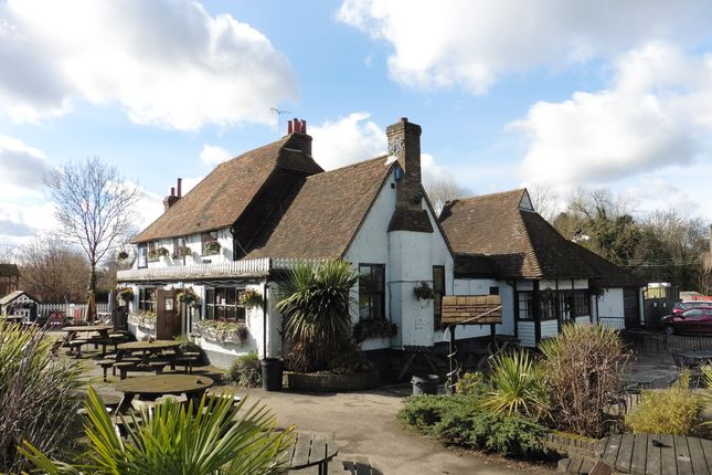 Thumbnail Pub/bar for sale in Ash Road, Kent: Nr Sevenoaks