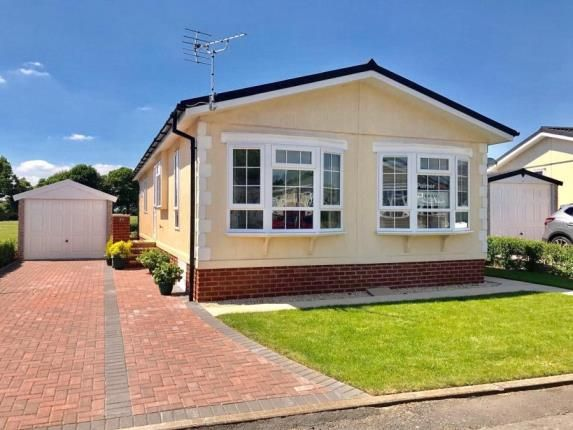 2 bed bungalow for sale in Chilton Park, Bridgwater