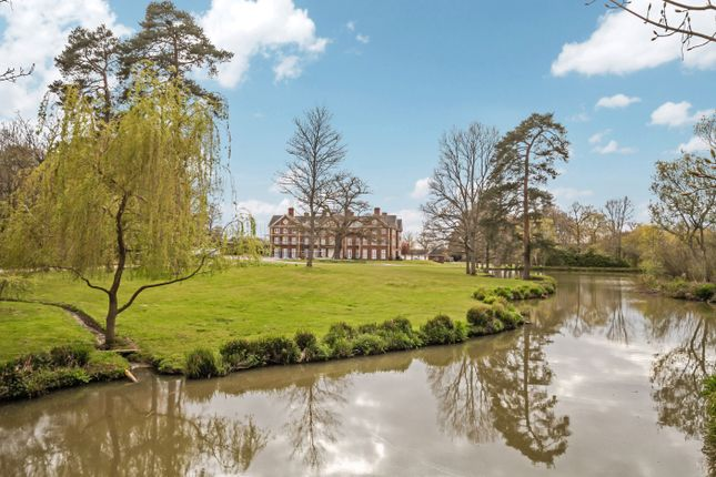 3 bed flat for sale in Ends Place, Byfleets Lane, Warnham, Horsham RH12