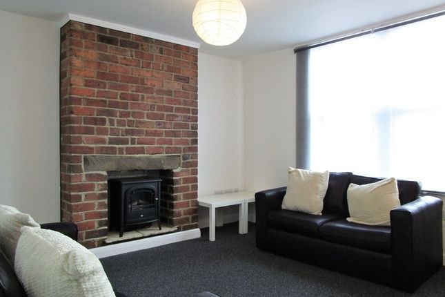 Thumbnail Flat to rent in Tong Road, Armley, Leeds