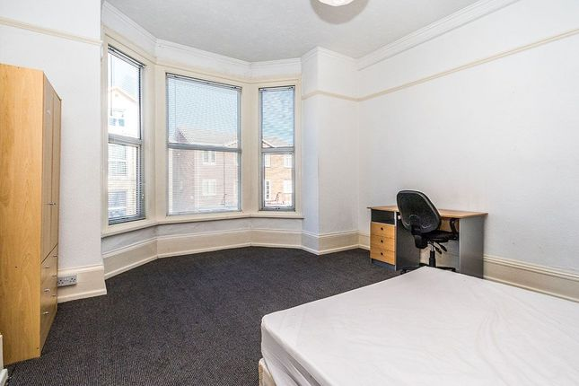 Thumbnail Flat to rent in St. Ronans Road, Southsea