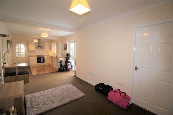 Thumbnail Flat for sale in Meadow Path, Leslie, Fife