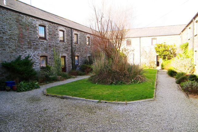 2 bed cottage to rent in Penmount, Truro