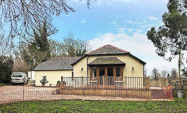 Thumbnail Bungalow for sale in Llanfair Dyffryn Clwyd, Ruthin