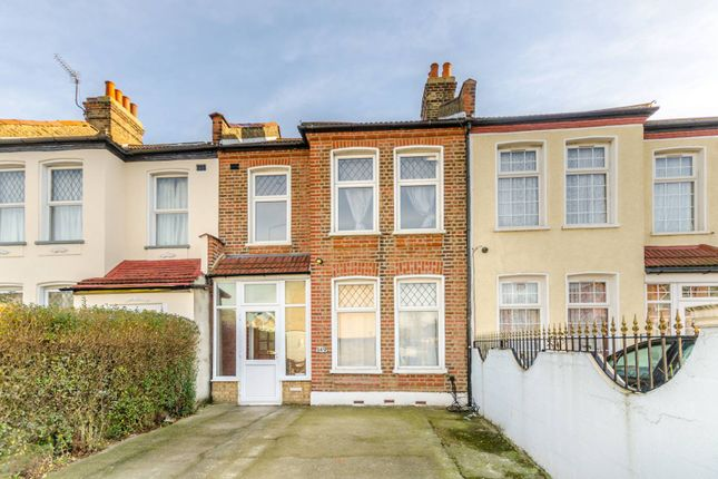 3 bed property to rent in Torridon Road, Catford, London SE6