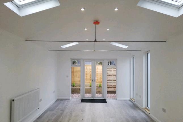 Thumbnail Studio to rent in New Road, Cambridge, Cambridgeshire
