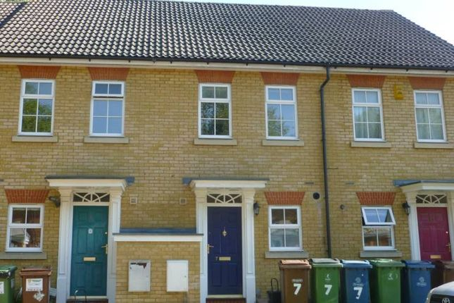2 bed terraced house to rent in Edinburgh Close, Pinner