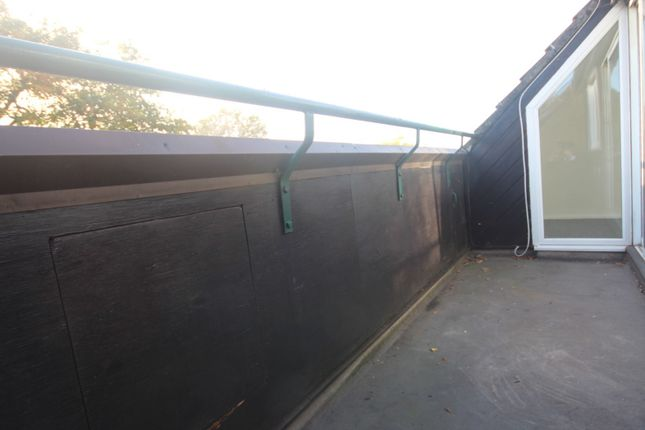 Balcony of Woodstock Crescent, Laindon, Basildon SS15