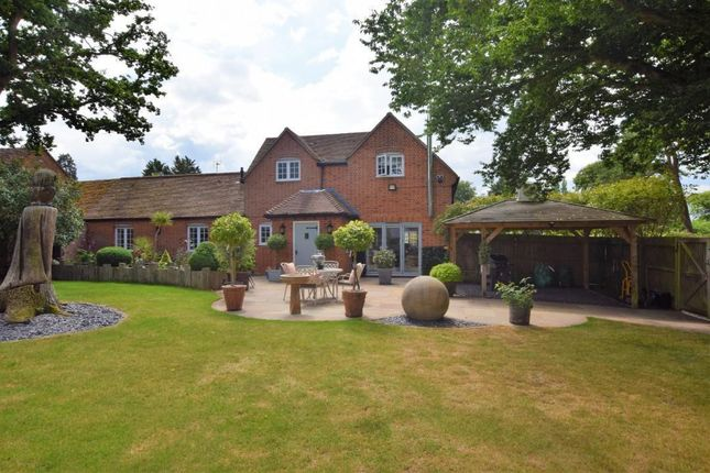 Thumbnail Link-detached house for sale in Wellington Court, Spencers Wood, Reading