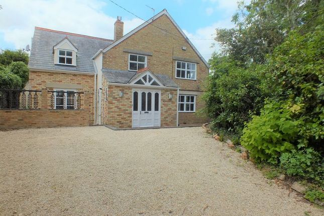 Thumbnail Detached house for sale in Crown Road, Kidlington