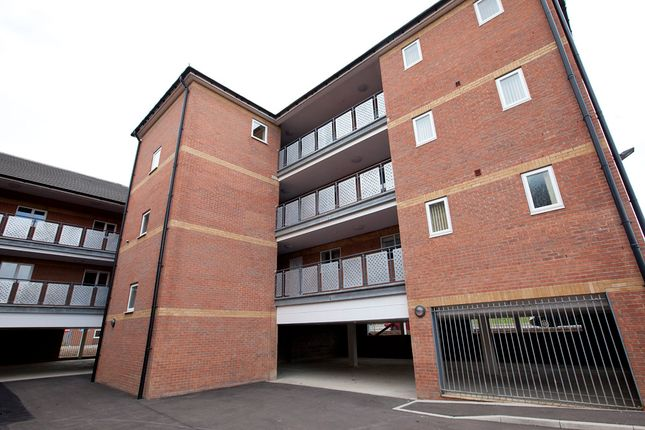 Thumbnail Flat to rent in Pontefract Road, Lundwood, Barnsley