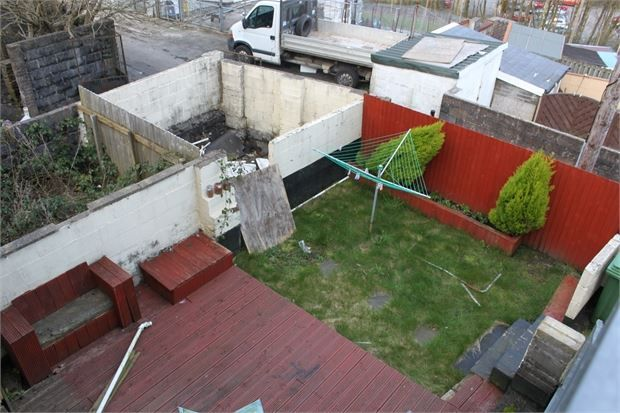 3 bed end terrace house to rent in East Road, Tylorstown, Rhondda Cynon Taff. CF43