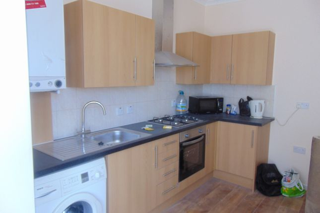 Thumbnail Flat to rent in High Road, Goodmayes