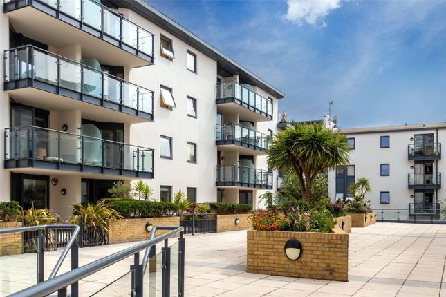2 bed flat for sale in West Street, Brighton BN1