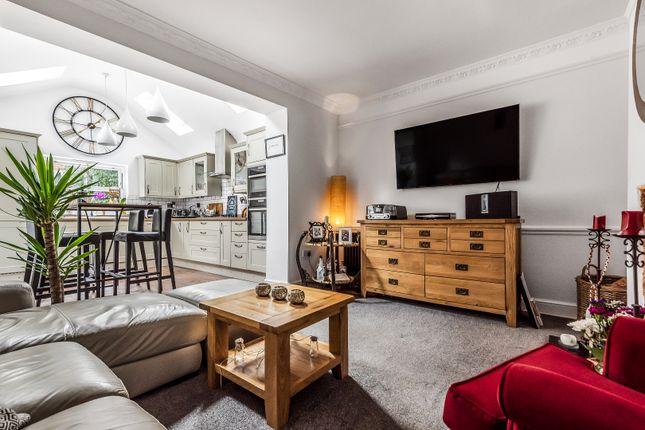 2 bed flat for sale in Harnham Road, Salisbury SP2