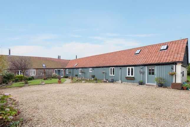 Thumbnail Barn conversion for sale in Bawdeswell Road, Billingford, Dereham