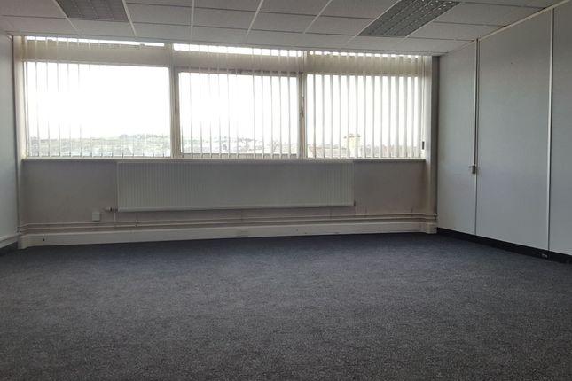 Office to let in Kirkgate, Shipley