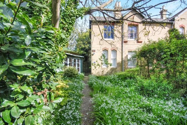 Thumbnail Flat for sale in Alexandra Road, Ryde