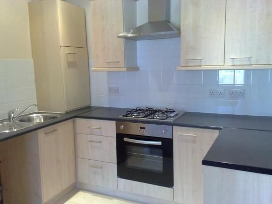 2 bed terraced house to rent in Suffolk Road, London N15