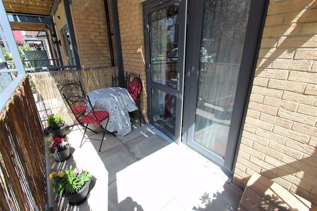 Large Balcony of Shingly Place, North Chingford, London E4