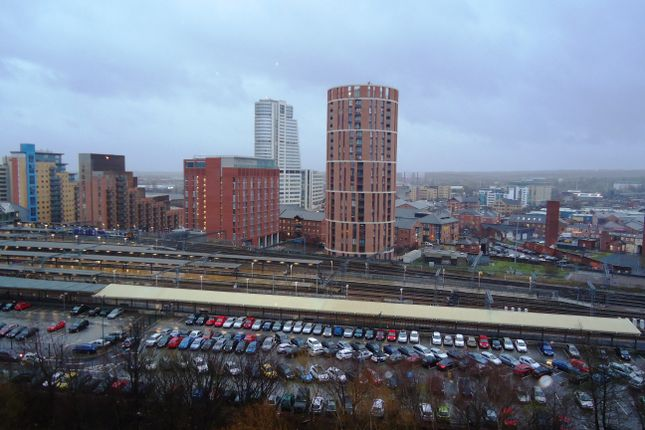 Thumbnail Flat to rent in Whitehall Quay, Leeds