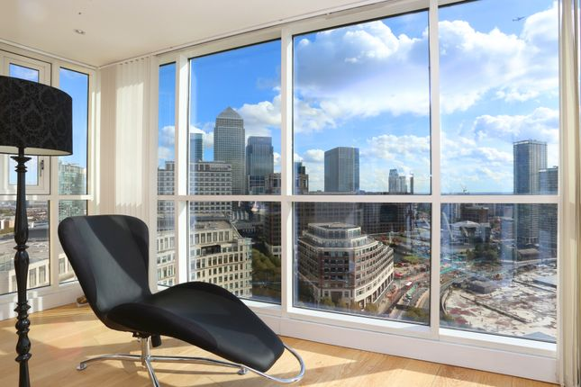Thumbnail Flat for sale in Berkeley Tower, 36 Westferry Circus, London