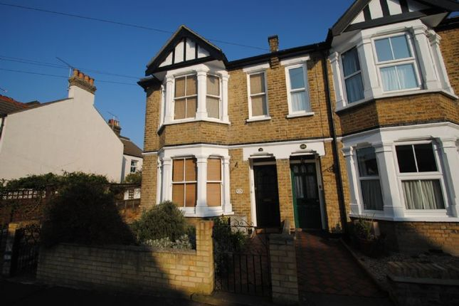 Thumbnail Flat to rent in Lymington Avenue, Leigh-On-Sea