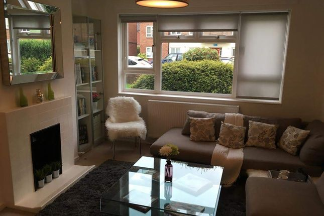 Thumbnail Flat to rent in Martins Road, Bromley