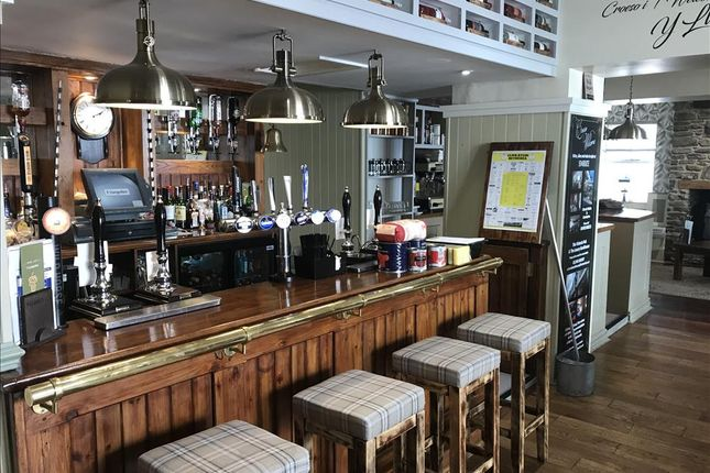 Thumbnail Restaurant/cafe for sale in LL57, Bethesda, Gwynedd