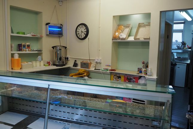 Thumbnail Restaurant/cafe for sale in Cafe & Sandwich Bars BD10, Idle, West Yorkshire