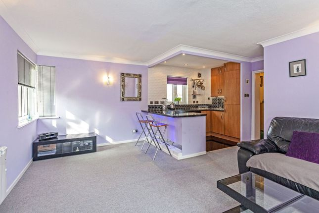 1 bedroom flat for sale in Hillbury Road, Tooting / Balham