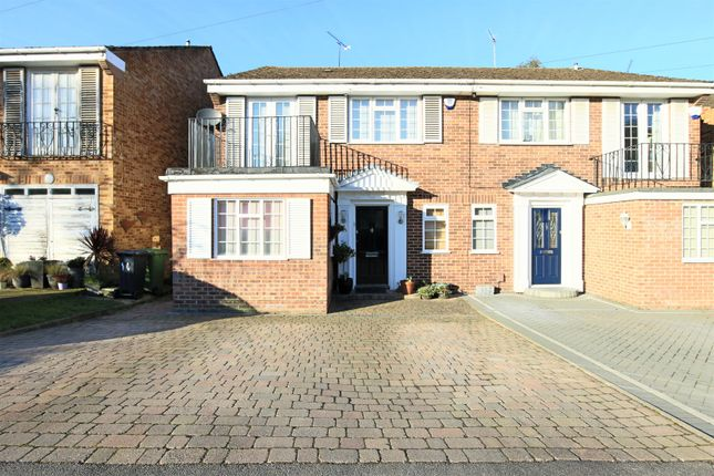 Thumbnail Semi-detached house to rent in West Close, Hoddesdon, Hertfordshire.