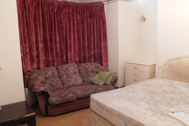 Thumbnail Terraced house to rent in Upper Chorlton Road, Manchester