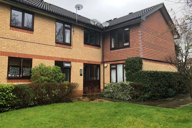Thumbnail Flat to rent in Rydal Court, Garston, Watford