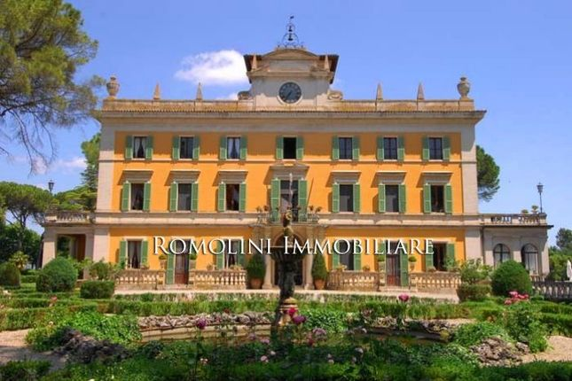 Thumbnail Villa for sale in Perugia, Umbria, Italy