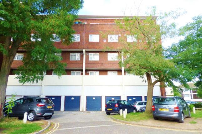 Thumbnail Flat for sale in Brent Lea, Brentford