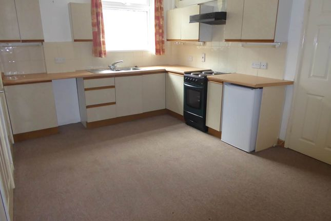 2 bed flat to rent in Bridge Street, Haverfordwest, Pembrokeshire SA61