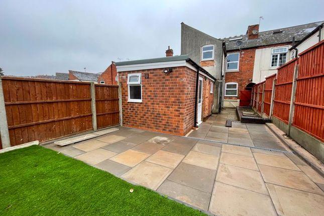 1 bed flat to rent in Three Shires Oak Road, Bearwood, Smethwick B67