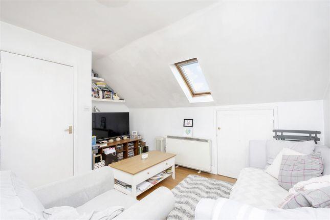 Living Room 1 of Tara House, High Road, Leyton, London E10