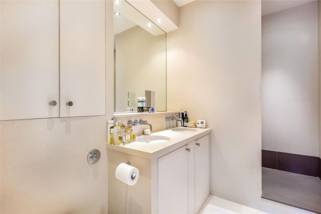 Bathroom of Warwick Square, Pimlico, London SW1V