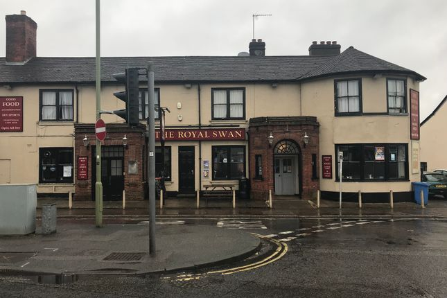 Thumbnail Pub/bar to let in London Road, Camberley
