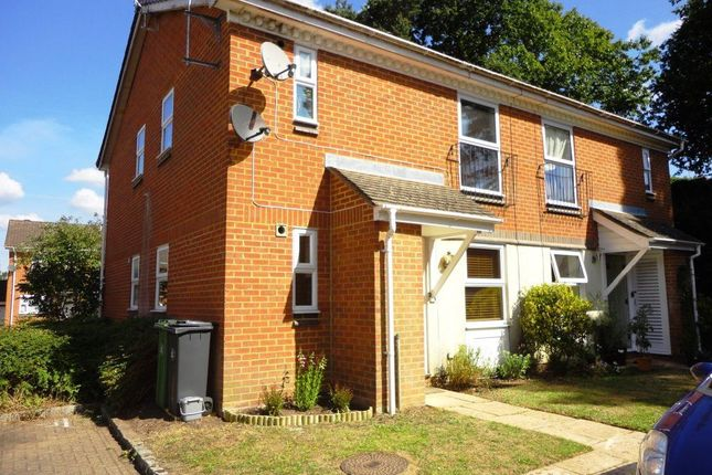 Thumbnail Maisonette to rent in Broom Field, Lightwater