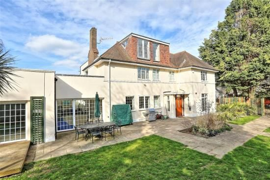 Thumbnail Detached house for sale in West Temple Sheen, London