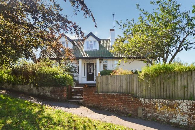 Thumbnail Detached house for sale in Four Bedroom Detached Chalet Bungalow, Stottingway Street, Nottington