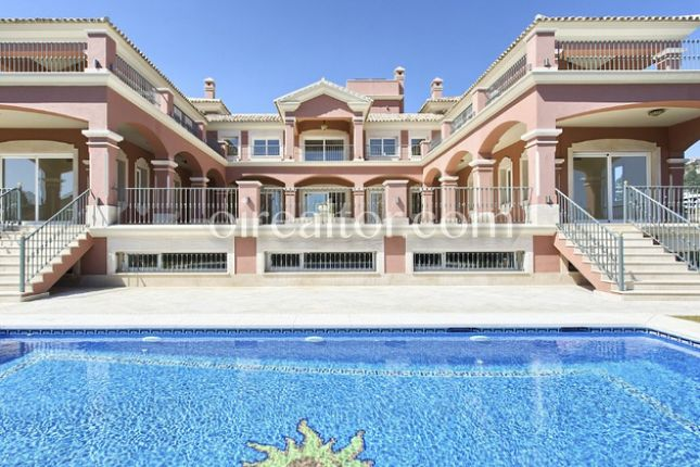 Thumbnail Property for sale in Marbella, Málaga, Spain