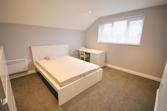 Thumbnail Flat to rent in Clarendon Road, Southsea