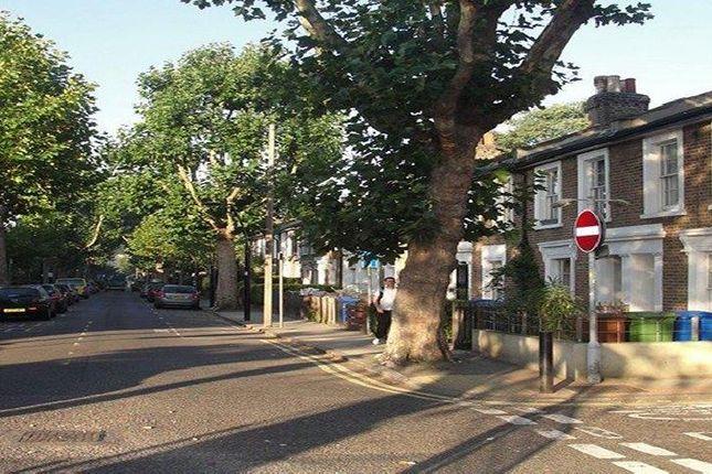 Thumbnail Flat to rent in Chadwick Road, London